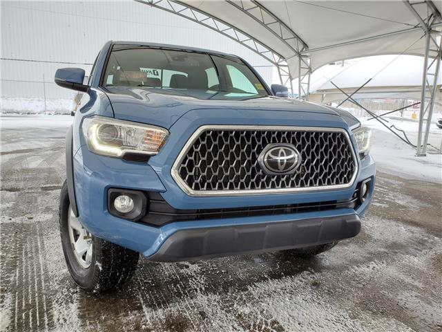 2019 Toyota Tacoma TRD Off Road 5TFCZ5ANXKX195867 189853 in AIRDRIE