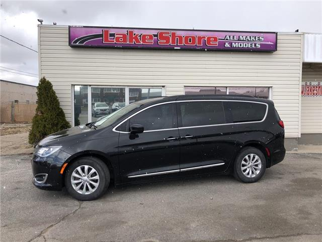 2017 Chrysler Pacifica Touring-L (Stk: K9586) in Tilbury - Image 1 of 19