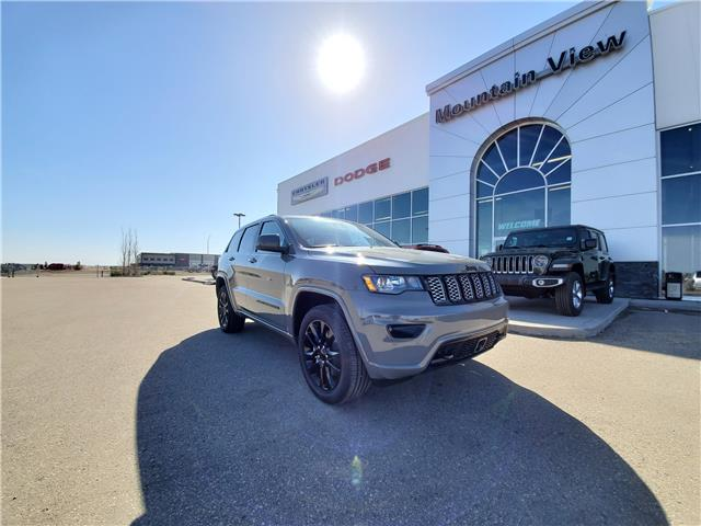 2021 Jeep Grand Cherokee Laredo (Stk: AM051) in Olds - Image 1 of 24