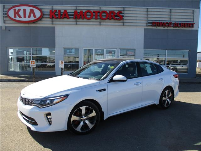 2018 Kia Optima SXL Turbo 5XXGV4L22JG236590 B4197 in Prince Albert