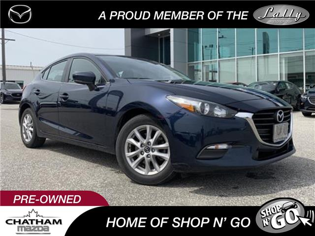 2018 Mazda Mazda3 Sport GS (Stk: UM2602) in Chatham - Image 1 of 22