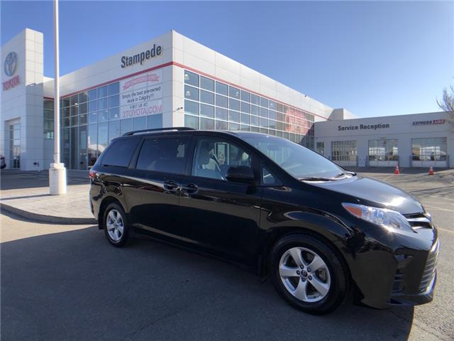 2020 Toyota Sienna LE 8-Passenger (Stk: 9404A) in Calgary - Image 1 of 26