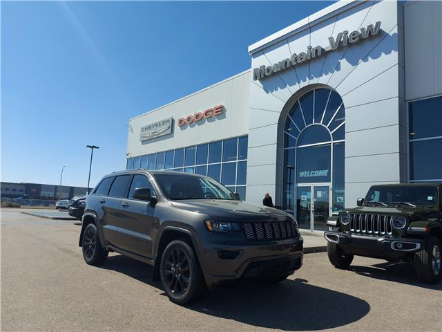 2021 Jeep Grand Cherokee Laredo (Stk: AM032) in Olds - Image 1 of 26