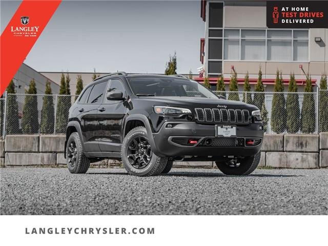 2021 Jeep Cherokee Trailhawk (Stk: M214173) in Surrey - Image 1 of 25