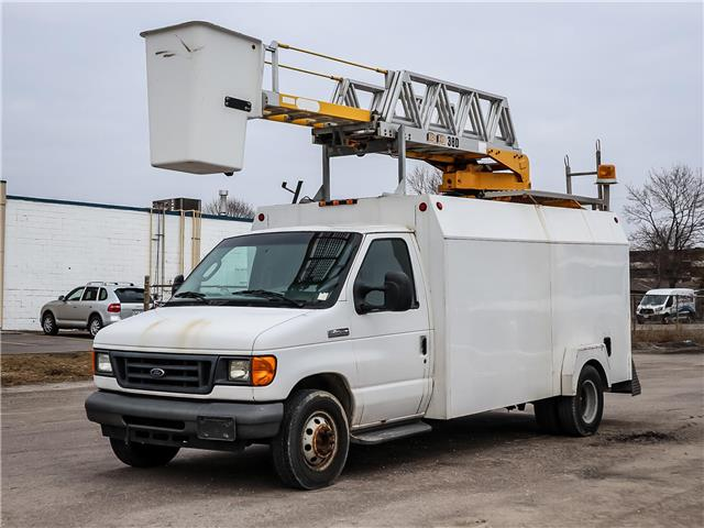 2006 Ford E-450 Cutaway Base (Stk: P044) in Stouffville - Image 1 of 8