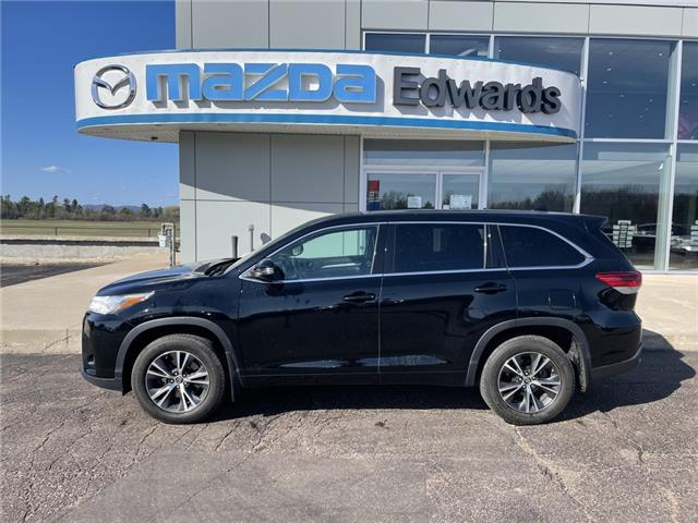 2017 Toyota Highlander LE (Stk: 22636) in Pembroke - Image 1 of 23