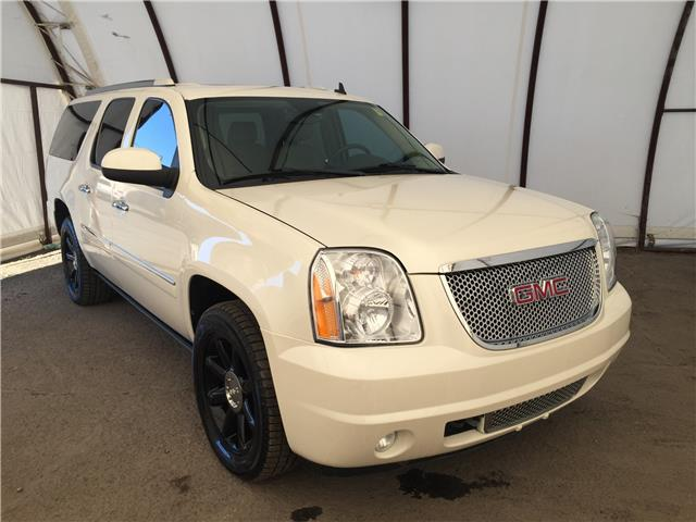 2011 GMC Yukon XL 1500 Denali (Stk: D210157A) in Ottawa - Image 1 of 32