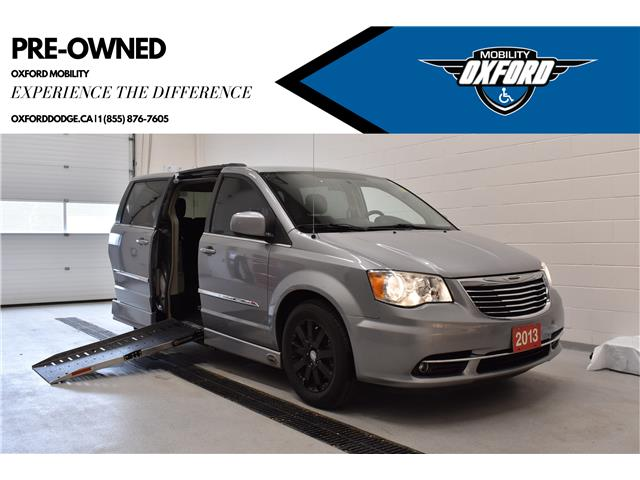 2013 Chrysler Town & Country Touring (Stk: MU9618C) in London - Image 1 of 16
