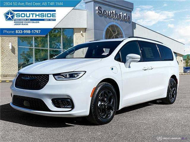 2021 Chrysler Pacifica Hybrid Touring L Plus (Stk: PA2109) in Red Deer - Image 1 of 25