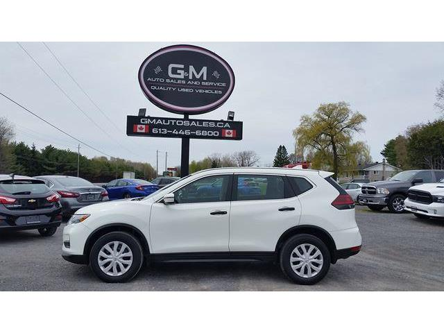 2018 Nissan Rogue AWD (Stk: JC745655) in Rockland - Image 1 of 13