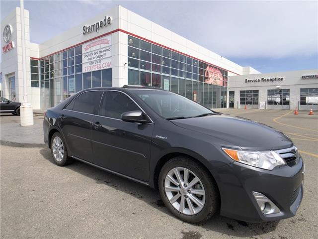 2012 Toyota Camry Hybrid XLE (Stk: 210473A) in Calgary - Image 1 of 12