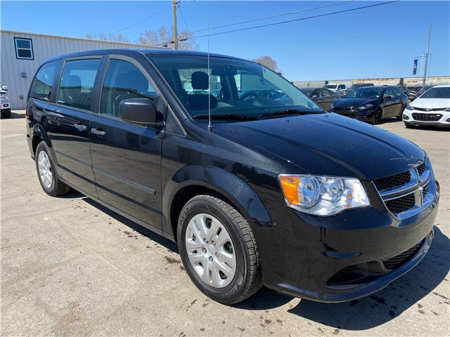 2017 Dodge Grand Caravan CVP/SXT (Stk: 21U125) in Wilkie - Image 1 of 21