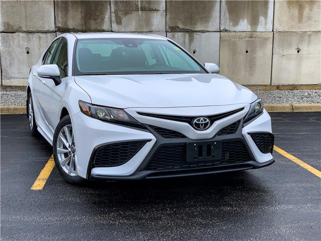 2021 Toyota Camry SE (Stk: 61709) in Sarnia - Image 1 of 12