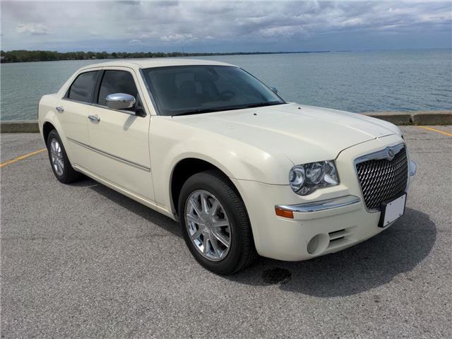 2010 Chrysler 300 Limited (Stk: D0329A) in Belle River - Image 1 of 15