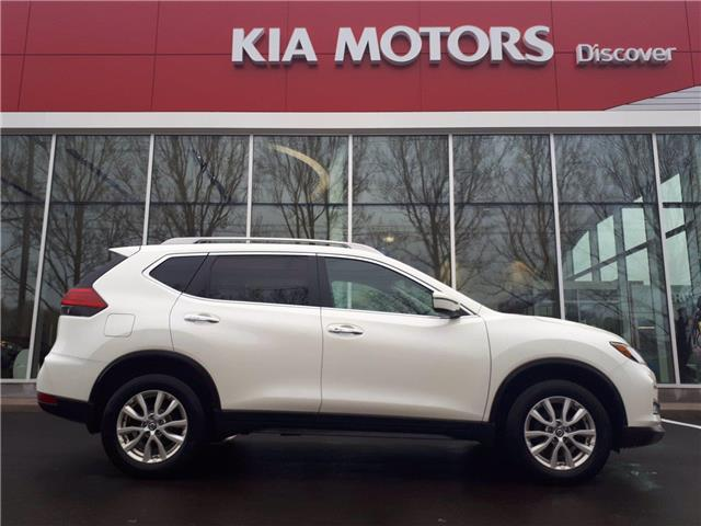 2017 Nissan Rogue SV (Stk: X5037A) in Charlottetown - Image 1 of 9