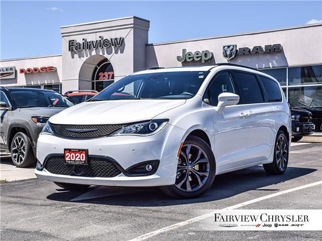 2020 Chrysler Pacifica Limited (Stk: U18618) in Burlington - Image 1 of 32