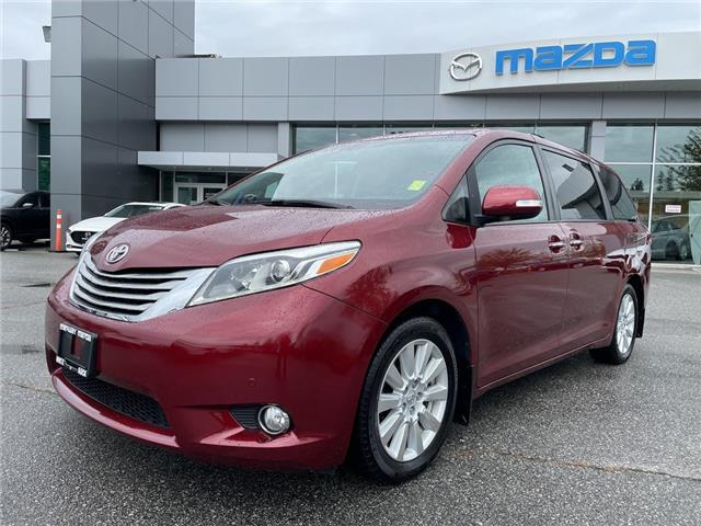 2017 Toyota Sienna Limited (Stk: 450032J) in Surrey - Image 1 of 15