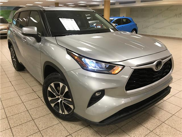 2021 Toyota Highlander XLE (Stk: 210985) in Calgary - Image 1 of 21