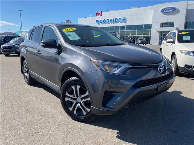 2016 Toyota RAV4 LE (Stk: 17845A) in Calgary - Image 1 of 19