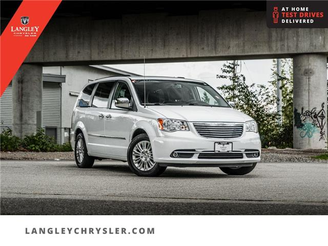 2016 Chrysler Town & Country Touring-L (Stk: M179155B) in Surrey - Image 1 of 26