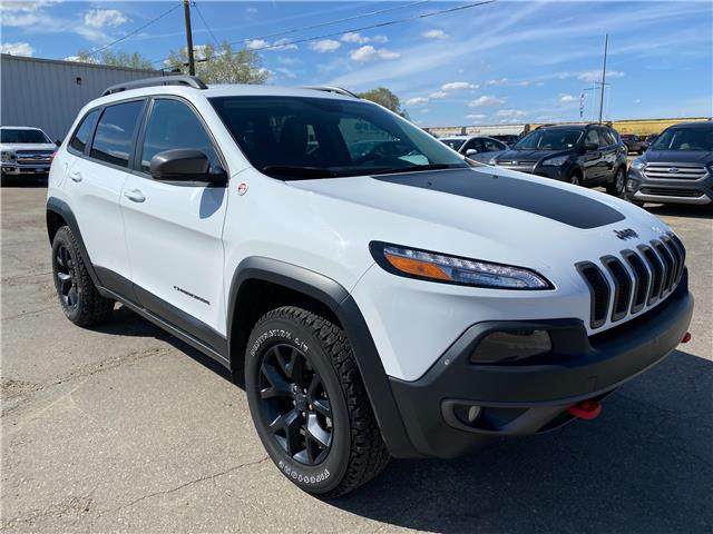 2017 Jeep Cherokee Trailhawk (Stk: 21189A) in Wilkie - Image 1 of 22