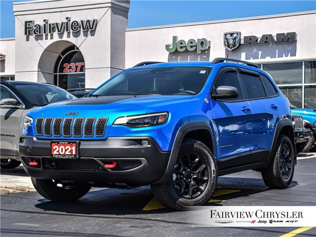 2021 Jeep Cherokee Trailhawk (Stk: U18641) in Burlington - Image 1 of 30