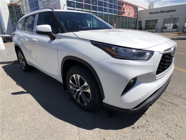2021 Toyota Highlander XLE (Stk: 210610) in Calgary - Image 1 of 14