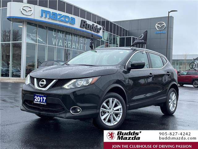 2017 Nissan Qashqai SV (Stk: 17092A) in Oakville - Image 1 of 20