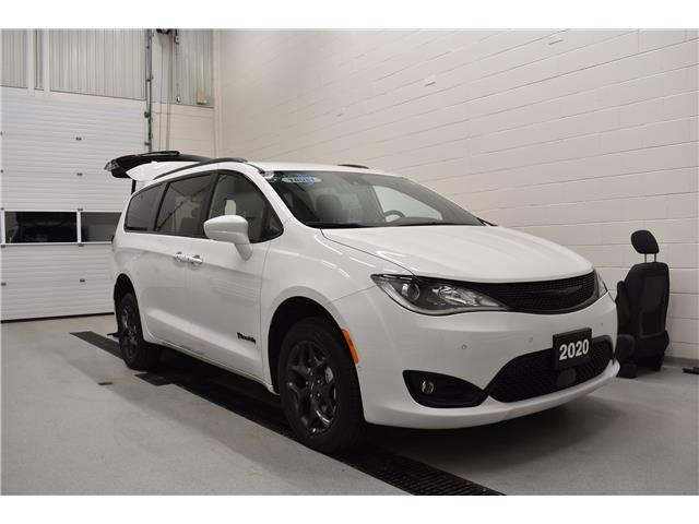 2020 Chrysler Pacifica Touring-L (Stk: M20935) in London - Image 1 of 14