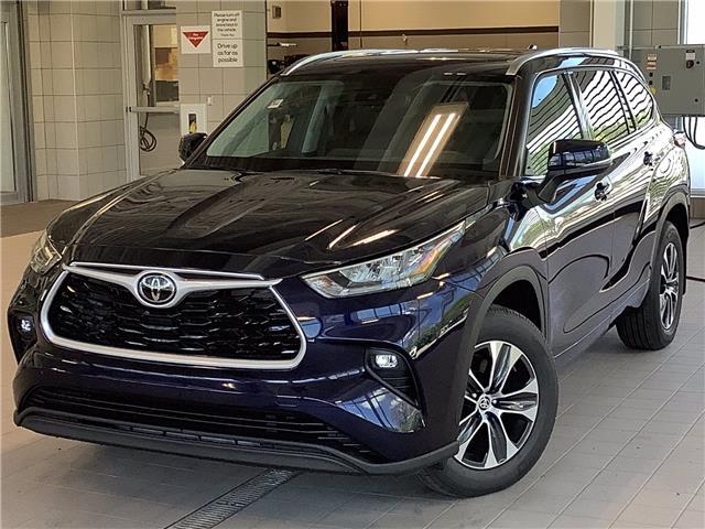 2021 Toyota Highlander XLE (Stk: 22975) in Kingston - Image 1 of 30
