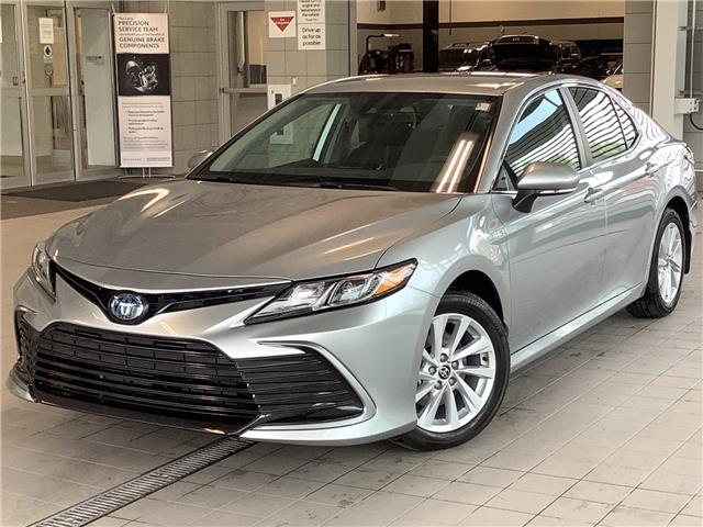 2021 Toyota Camry Hybrid LE (Stk: 22957) in Kingston - Image 1 of 25