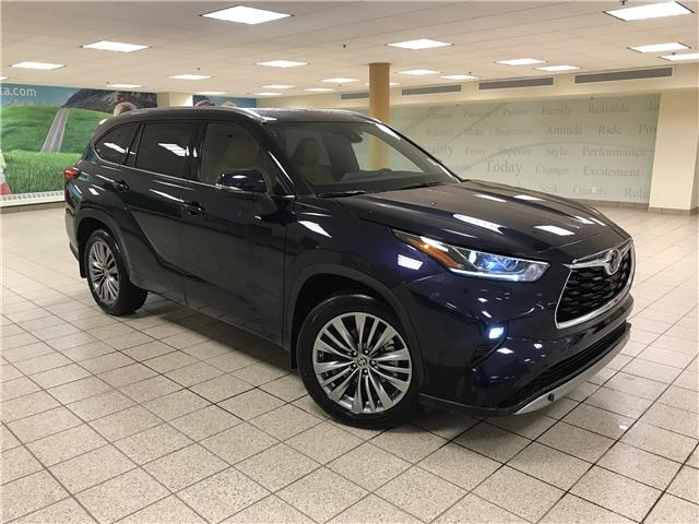 2021 Toyota Highlander Limited (Stk: 211230) in Calgary - Image 1 of 23
