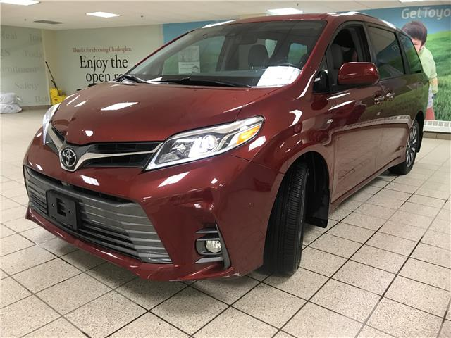 2018 Toyota Sienna XLE 7-Passenger (Stk: 211276A) in Calgary - Image 1 of 9