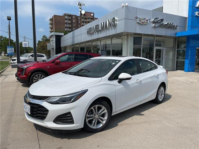 2019 Chevrolet Cruze LT (Stk: 21091A) in Chatham - Image 1 of 15