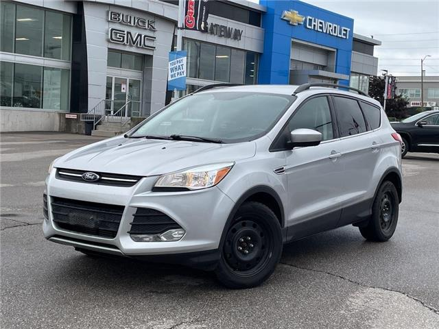 2015 Ford Escape SE  / LEATHER / TWO SETS OF TIRES / LOADED / (Stk: 182284A) in BRAMPTON - Image 1 of 17