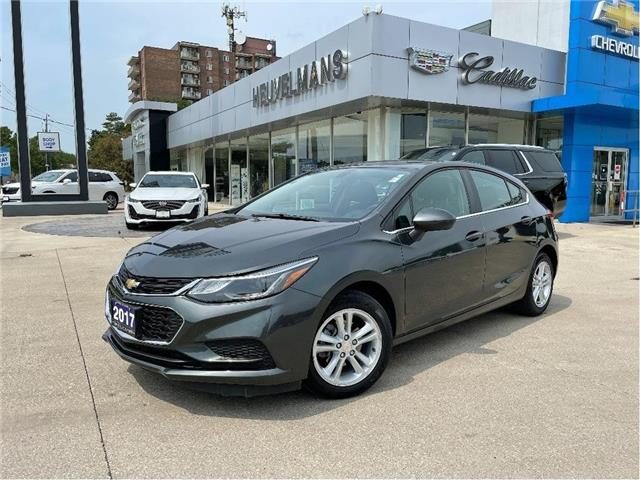 2017 Chevrolet Cruze Hatch LT Auto (Stk: M003A) in Chatham - Image 1 of 19