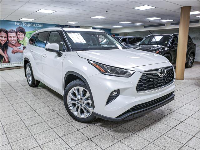 2021 Toyota Highlander Limited (Stk: 211400) in Calgary - Image 1 of 18