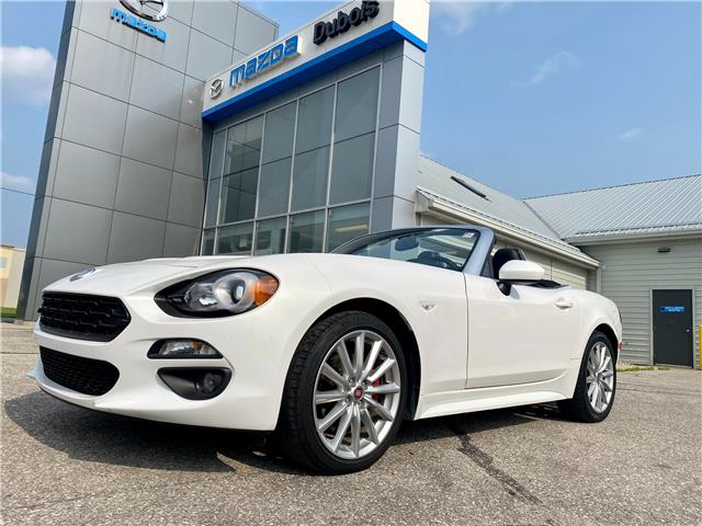 2017 Fiat 124 Spider Lusso (Stk: UC5958) in Woodstock - Image 1 of 22