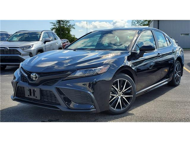 2021 Toyota Camry SE (Stk: 61713) in Sarnia - Image 1 of 9