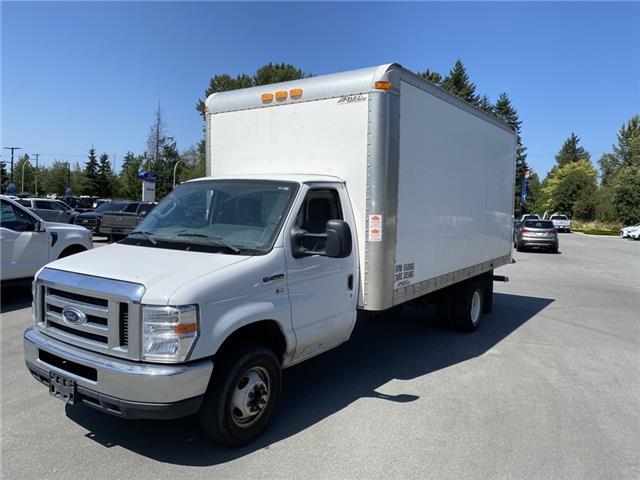 2012 Ford E-450 Cutaway Base (Stk: P59373A) in Vancouver - Image 1 of 4