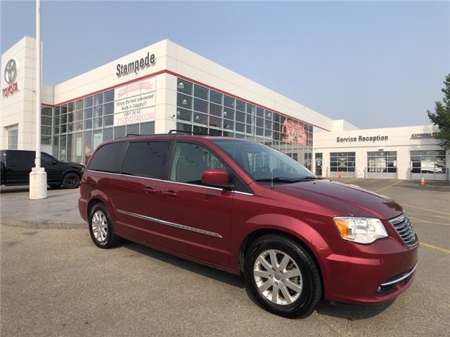 2015 Chrysler Town & Country Touring (Stk: 9452B) in Calgary - Image 1 of 23