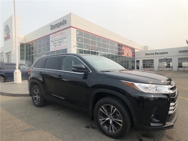 2019 Toyota Highlander LE (Stk: 210509A) in Calgary - Image 1 of 24