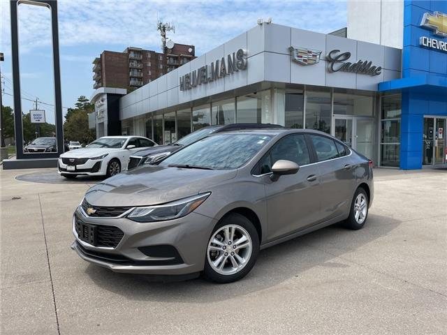 2018 Chevrolet Cruze LT Auto (Stk: 21097AA) in Chatham - Image 1 of 19