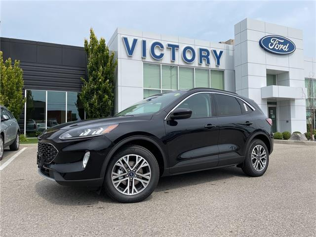 2021 Ford Escape SEL Hybrid (Stk: VEP20352) in Chatham - Image 1 of 18