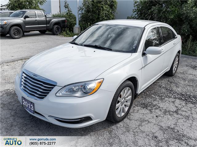 2013 Chrysler 200 LX (Stk: 634632) in Milton - Image 1 of 6
