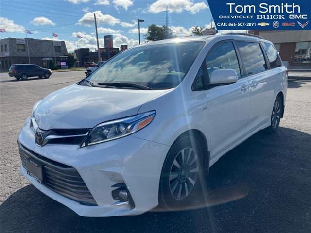 2018 Toyota Sienna  (Stk: 210789A) in Midland - Image 1 of 9