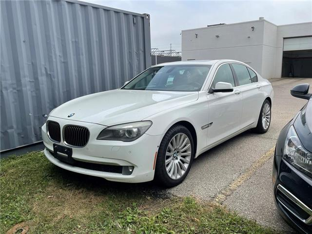 2012 BMW 7 Series 4dr Sdn 750i xDrive AWD, NAVIGATION, SUNROOF (Stk: 212473A) in Milton - Image 1 of 1