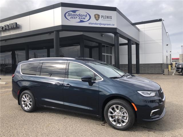 2021 Chrysler Pacifica Touring L (Stk: 5M221) in Medicine Hat - Image 1 of 18