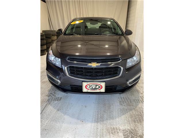 2016 Chevrolet Cruze Limited 1LT (Stk: B104) in Windsor - Image 1 of 7