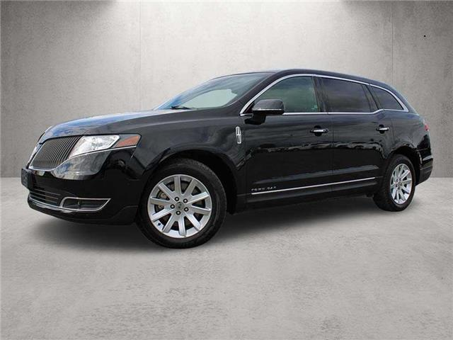 2016 Lincoln MKT Livery (Stk: M21-0662P) in Chilliwack - Image 1 of 11